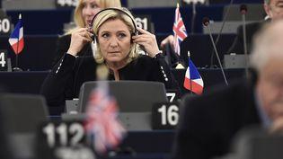 Marine Le Pen, au Parlement européen, à Strasbourg, le 26 octobre 2016. (FREDERICK FLORIN / AFP)