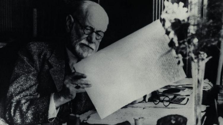 """Sigmund Freud, neurologue autrichien, le """"père de la psychanalyse"""", est né en 1856 et mort le 23 septembre 1939, à Londres. (PHOTOSHOT/MAXPPP)"""
