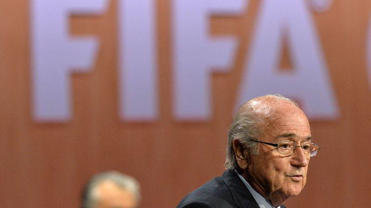 Joseph Blatter, lors de sa réélection à la tête de la Fifa, à Zurich (Suisse), le 29 mai 2015. (MELANIE DUCHENE / RIA NOVOSTI / AFP)