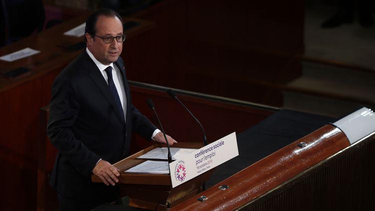 François Hollande lors dudiscours d'ouverture de la conférence sociale, le 19 octobre 2015, à Paris. (THOMAS SAMSON / AFP)