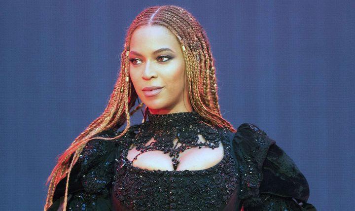 Beyoncé sur scène à Wembley (Londres) le 3 juillet 2016  (Daniela Vesco/AP/SIPA)
