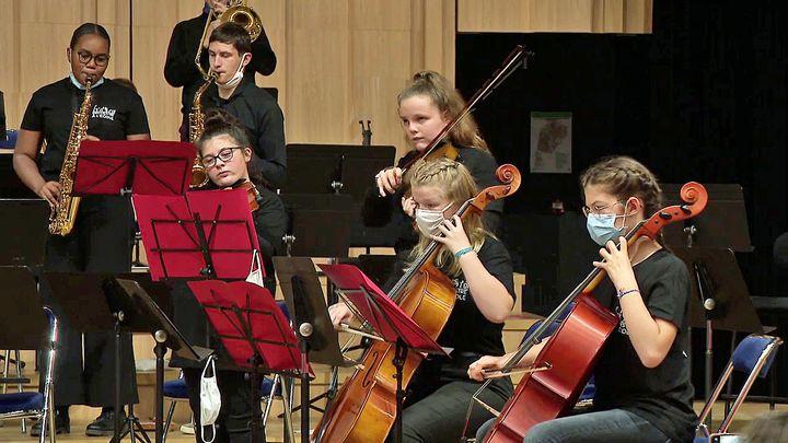 Les jeunes musiciens de l'Orchestre école de Mayenne (France 3 Bretagne)