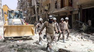 """Les """"Casques blancs"""" en Syrie (THAER MOHAMMED / AFP)"""