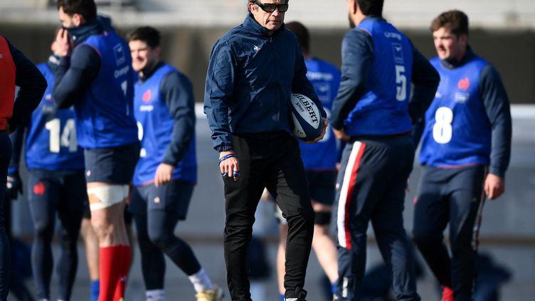 Le sélectionneur du XV de France Fabien Galthié, lors d'un entraînement des Bleus à Marcoussis, le 11 février 2021. (FRANCK FIFE / AFP)