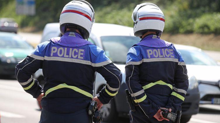 """Avec les formations dispensées aux forces de l'ordre, la Licra insiste sur """"l'exemplarité"""" dont doivent faire preuve les policiers. (JEAN-MARC LOOS / MAXPPP)"""