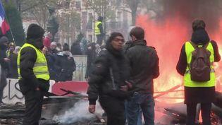 """""""Gilets jaunes"""" : le bilan des sanctions judiciaires contre le mouvement (FRANCEINFO)"""