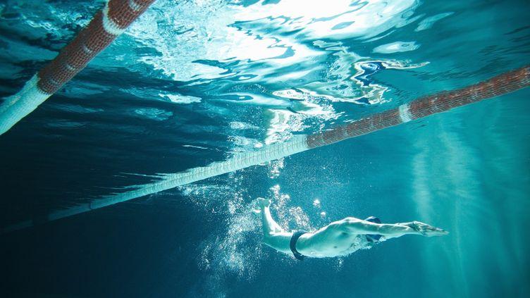 """Roxana Maracineanu, ministre des Sports, a annoncéle 11 octobre 2019 la reconduite en 2020 d'un dispositif destiné à """"favoriser l'apprentissage de la natation"""" en l'élargissant aux adultes. (STANISLAW PYTEL / DIGITAL VISION)"""
