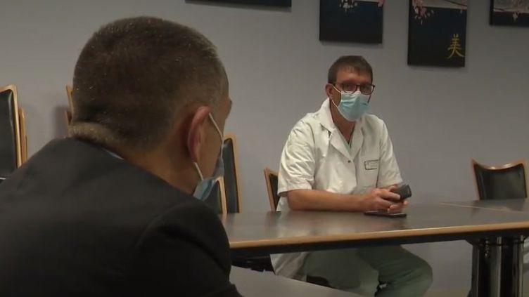 Coronavirus : l'hôpital de Valenciennes reste sous tension (FRANCEINFO)