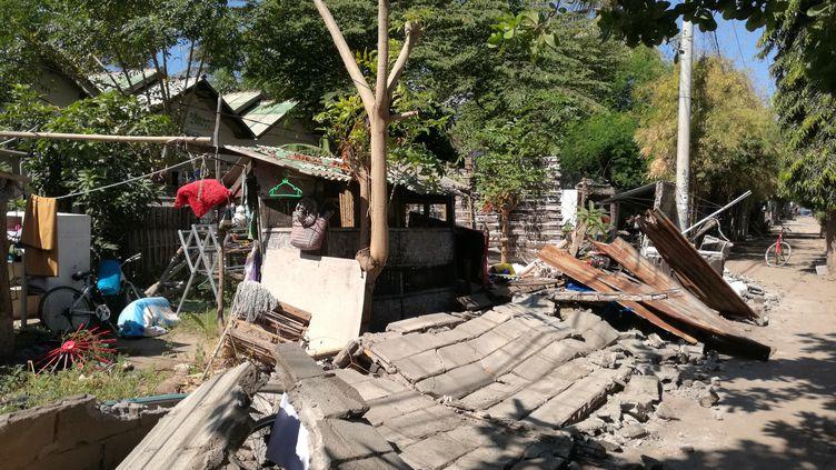 Une maison abattue par le séisme du 5 aoput 2018 sur l'île deGili Trawangan, près de Lombok en Indonésie. (LIANG FANGFANG / XINHUA)
