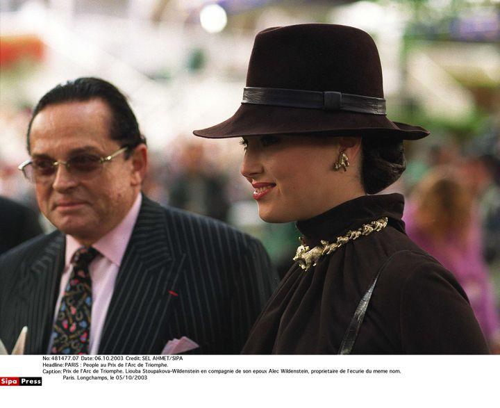 Liouba Stoupakova et Alec Wildenstein, à Paris, le 5 octobre 2003. (SEL AHMET / SIPA)