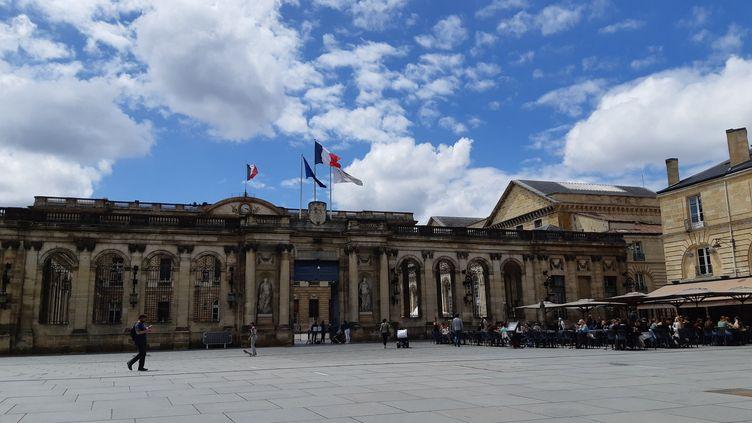 Mairie de Bordeaux (Gironde), le 15 juin 2020. (SARAH TUCHSCHERER / RADIO FRANCE)