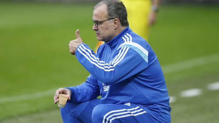 L'entraîneur de l'OM, Marcelo Bielsa, le 4 octobre 2014 lors d'un match à Caen (Calvados). (JEAN CATUFFE / GETTY IMAGES)