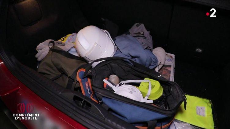 Pour rejoindre sa petite amie malgré le confinement, il se fait passer pour un électricien (COMPLÉMENT D'ENQUÊTE/FRANCE 2)