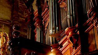 L'orgue de la basilique Saint-Pierre de Luxeuil  (France 3 / Culturebox)