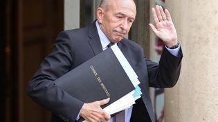 Le ministre de l'Intérieur Gérard Collomb quitte le palais de l'Elysée après un conseil des ministres, le 12 juin 2018. (LUDOVIC MARIN / AFP)