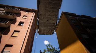 Plus de 600 habitants du quartier du pont Morandi à Gênes ont dû abandonner leur logement pour des questions de sécurité. (MARCO BERTORELLO / AFP)