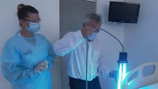 Coronavirus : les UV pour lutter contre l'épidémie ? (FRANCE 2)