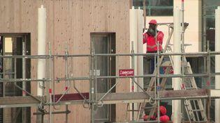 Île-de-France : des maires interdisent la reprise des chantiers (FRANCE 2)