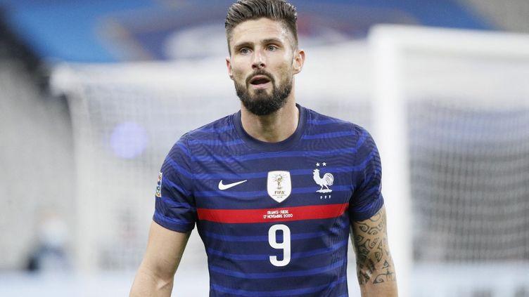Olivier Giroud (ici face à la Suède, le 17 novembre 2020) n'est pas sélectionné par Didier Deschamps pour les prochains matchs de l'équipe de France. (STEPHANE ALLAMAN / DPPI / AFP)