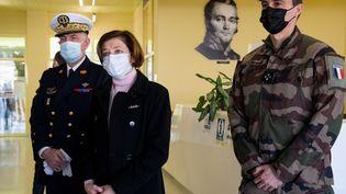 La ministre des Armées, Florence Parly, en déplacement dans les locaux de l'hôpital militaire Bégin, à Saint-Mandé (Val-de-Marne), le 7 mars 2021. (BERTRAND GUAY / AFP)
