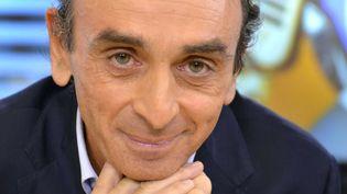 Le journaliste et polémiste Eric Zemmour invité sur le plateau de LCI, à Paris, le 24 novembre 2014. (IBO / SIPA)