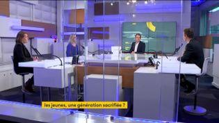 Les débatteurs des Informés du matin, jeudi 11 février 2021, autour de Renaud Dély et Marc Fauvelle sontSophie Fay, journaliste àL'ObsetFanny Guinochet, chroniqueuse éco à franceinfo. (FRANCEINFO)