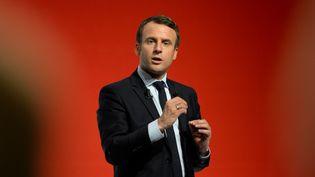 Emmanuel Macron, le 28 avril 2017 à Châtellerault (Vienne). (GUILLAUME SOUVANT / AFP)