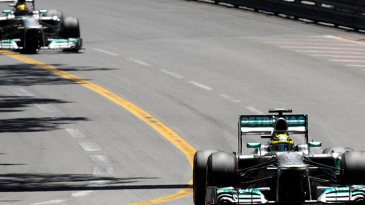 Nico Rosberg devant Lewis Hamilton, les Flèches d'Argent en action