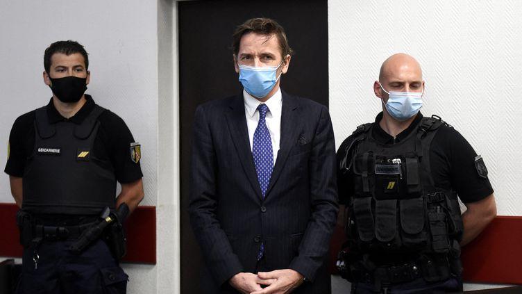 Rémy Daillet au début de son audition devant le juge des libertés et de la détention au palais de justice de Nancy après sa mise en examen dans l'enlèvement de Mia, le 16 juin 2021. (AFP)