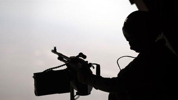 Surveillance militaire aérienne, le 17 février 2011, en Afghanistan. (AFP/ADEK BERRY)