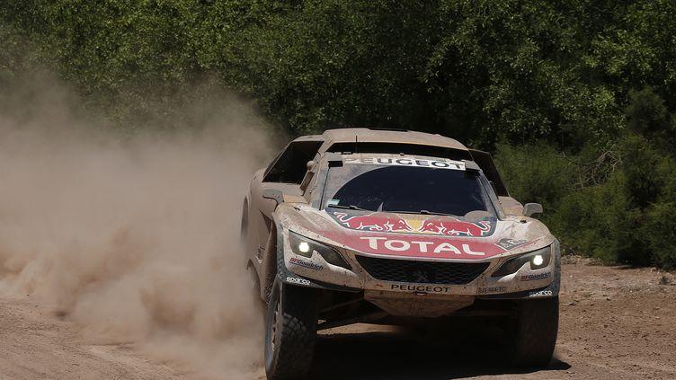 Stéphane Peterhansel à l'attaque avec sa Peugeot 3008 DKR (FLORENT GOODEN / DPPI MEDIA)