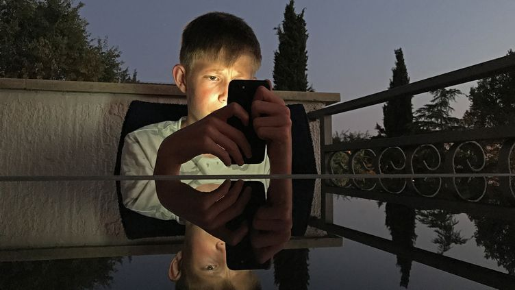 L'exposition aux écrans peut avoir des conséquences sur le développement du langage chez les enfants. (MAXPPP)