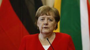 La chancelière allemande Angela Merkel lors d'une conférence de presse à Pretoria, en Afrique du Sud, le 6 février 2020. (PHILL MAGAKOE / AFP)