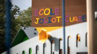 L'école Joliot Curieà Le Petit-Quevilly,près de Rouen, le 27 septembre 2019. (LOU BENOIST / AFP)
