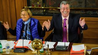 Isabelle et Patrick Balkany, le 10 février 2014, lors d'un conseil municipal à Levallois-Perret (Hauts-de-Seine). (MAXPPP)