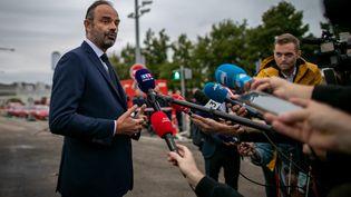 Edouard Philippe à Rouen lors d'une allocution aux journalistes lundi 30 septembre en début de soirée (LOU BENOIST / AFP)