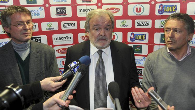 Le président du Mans Henri Legarda essaye de sauver son club (DENIS LAMBERT / MAXPPP)