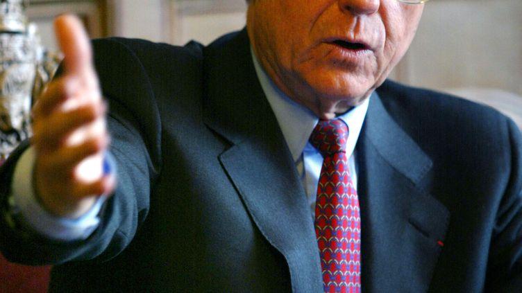 René Galy-Dejean, l'ancien maire UMP du 15e arrondissement et ex-trésorier de la campagne présidentielle d'Edouard Balladur en 1995, le 4 janvier 2002. (PHILIPPE DESMAZES / AFP)