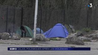 Les migrants à Calais ont retrouvé un peu de calme après les bagarres. (FRANCE 3)