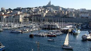 Le Vieux-Port de Marseille (Bouches-du-Rhône), le 11 janvier 2021. (NICOLAS TUCAT / AFP)