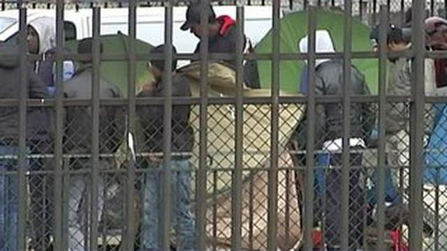 Paris : un camp de 350 migrants évacué