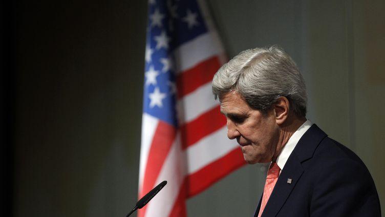 Le secrétaire d'Etat américain John Kerry, lors d'une conférence de presse sur le nucléaire iranien, à Genève, le 10 novembre 2013. (JASON REED / REUTERS)