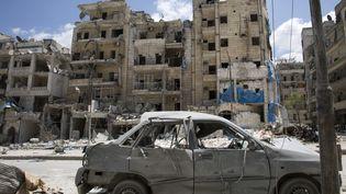 Un hôpital endommagé à Alep (Syrie) le 28 avril 2016. (KARAM AL-MASRI / AFP)