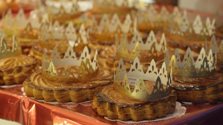 La tradition veut que l'on partage la galette pour l'Epiphanie, qui célèbre l'arrivée des Rois Mages auprès de Jésus. (GETTY IMAGES / PHOTONONSTOP RM)