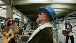 U2 dans le métro de New York  (Capture d'écran / Culturebox)