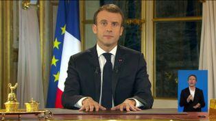 Emmanuel Macron pendant son allocuation télévisée, le 10 décembre 2018. (FRANCEINFO / RADIOFRANCE)