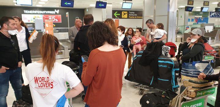 Les Français bloqués à l'aéroport de Tenerife en Espagne. (NATHALIE)