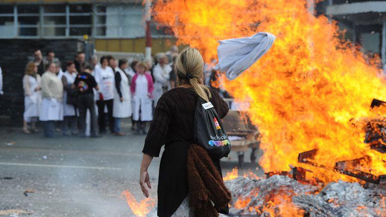Près de l'usine Technicolor d'Angers, le jeudi 11 octobre 2012. (ALAIN JOCARD / AFP)
