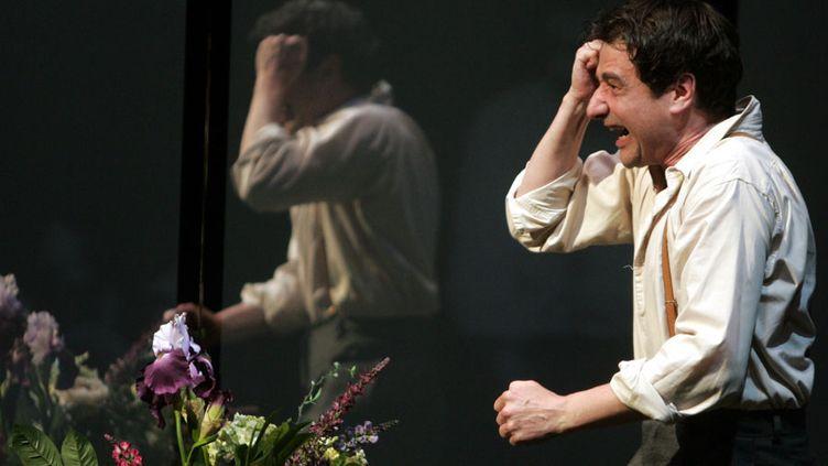 """Richard Mitou dans """"Le temps est un songe"""" de Henri-René Lenormand, au Théâtre de la Criée à Marseille en février 2008  (Anne-Christine Poujoulat / AFP)"""