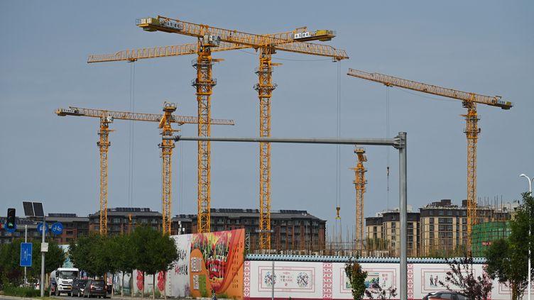 Des constructions immobilières d'Evergrande à Pékin (Chine), le 13 septembre 2021. (GREG BAKER / AFP)